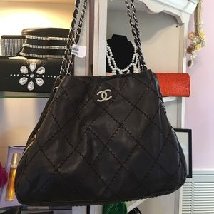 CHANEL brown quilted stitched chain leather bag